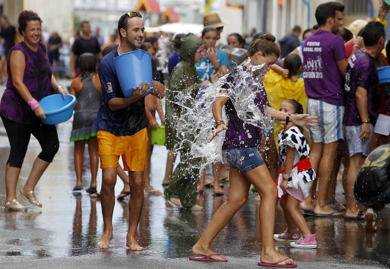 El Raval Roig se inunda con la divertida 'poalá'