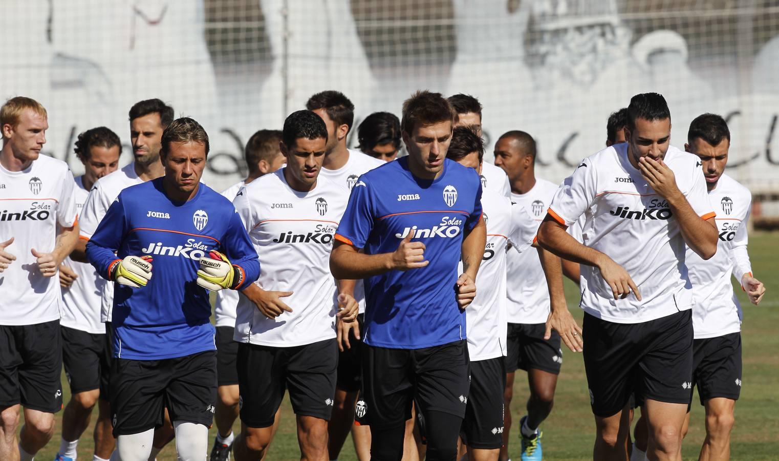 Entrenamiento del Valencia CF, el día después de la derrota contra el Swansea