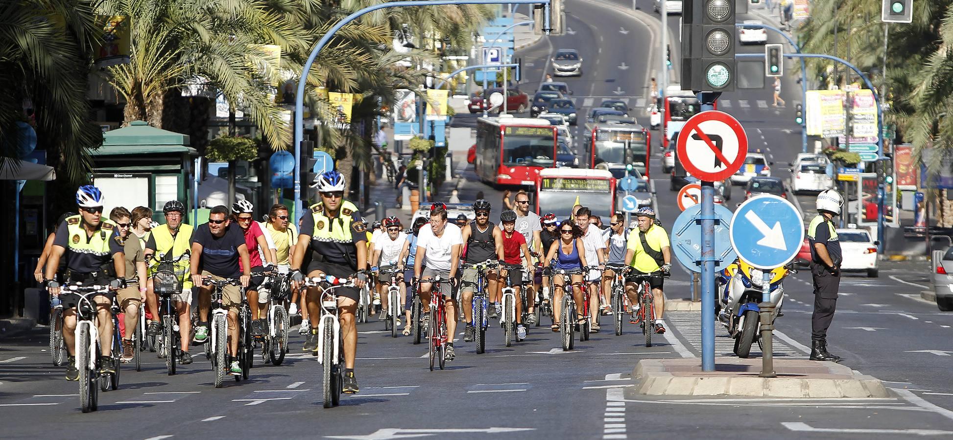 'Bicifestación' con motivo de la Semana de la Movilidad en Alicante