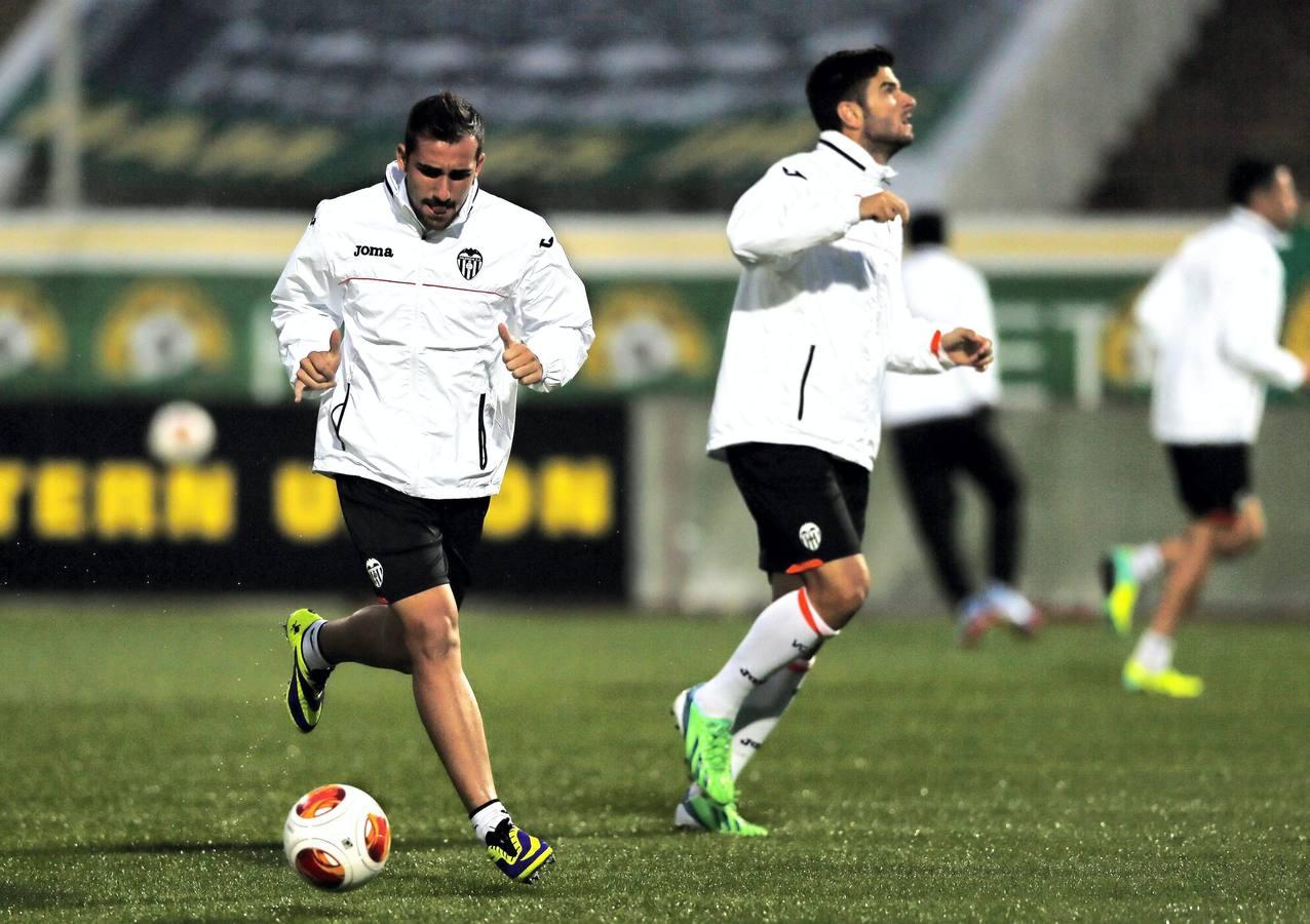 El Valencia CF se entrena en Krasnodar, un día antes de su partido de Liga Europa