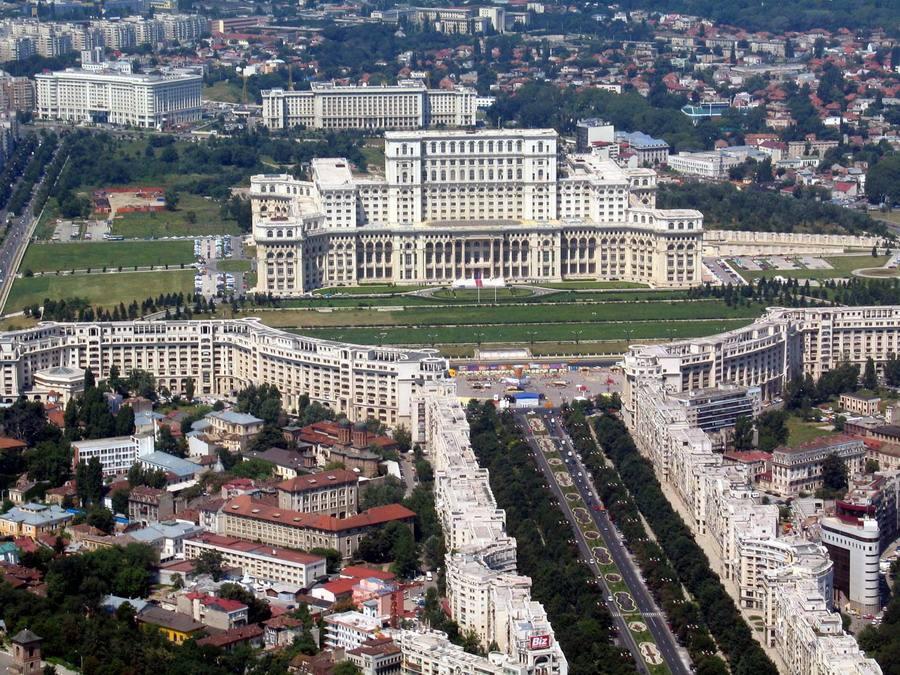 3. Palacio del Parlamento, en Bucarest (Rumanía)