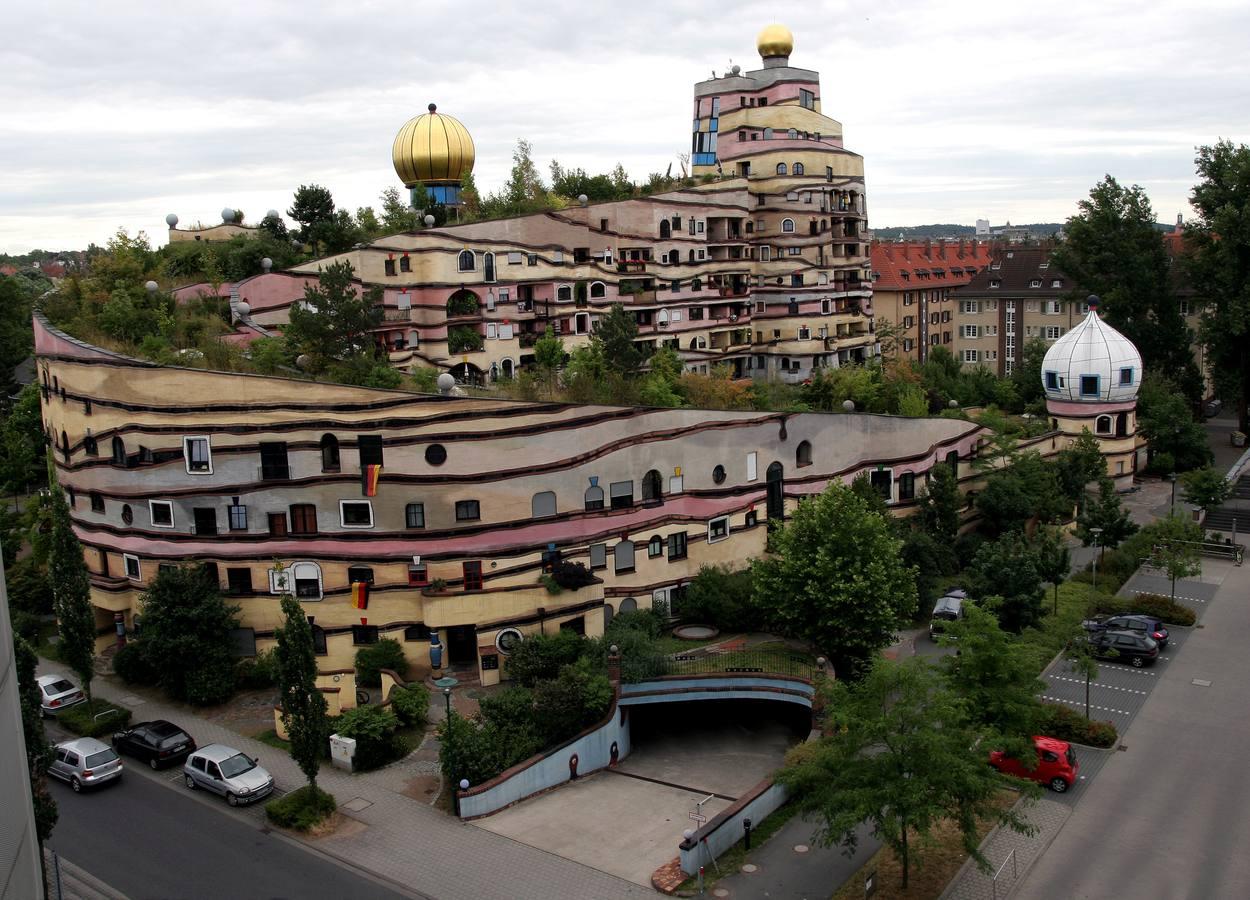 10. Edificio Hundertwasser, en Darmstadt (Alemania)