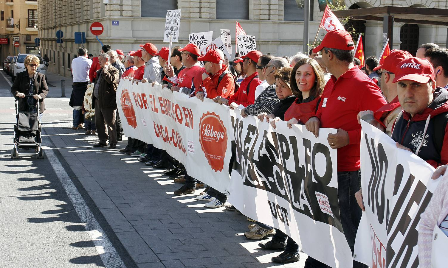Protesta de los trabajadores de Coca-Cola en Alicante