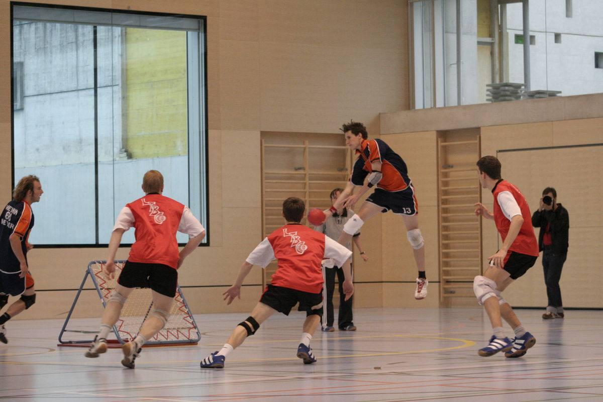 2. Tchoukball (variante del balonmano)
