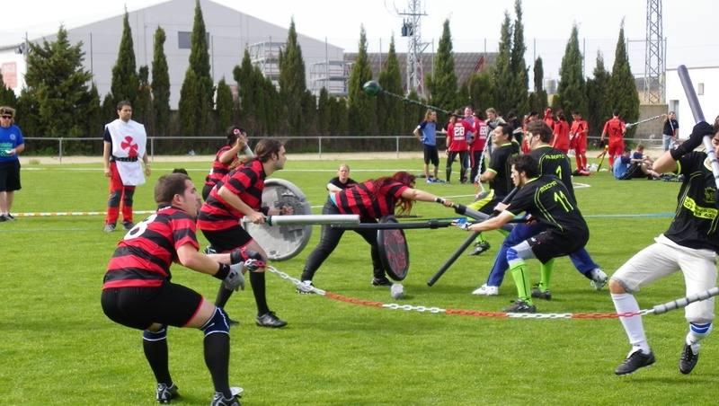 8. Jugger (rugby, hockey y esgrima)